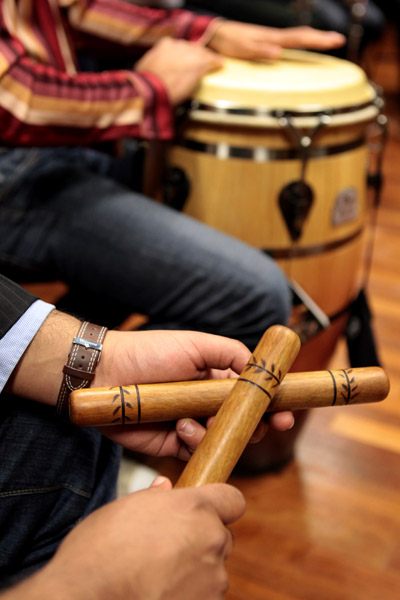 Latin_jazz_clave_percussion_sticks.jpg